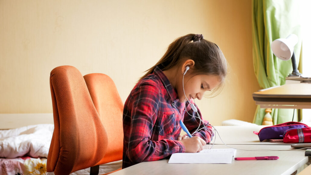 Should Your Foster Kids Listen to Music While Studying?